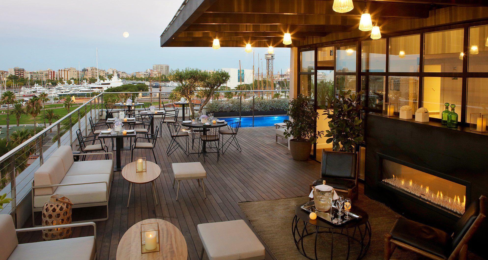 las mejores terrazas de hotel en barcelona 2018 terrazeo. Black Bedroom Furniture Sets. Home Design Ideas