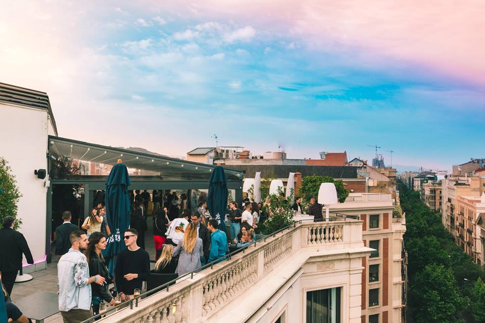 Disco Fever Rooftop Party en Hotel Barcelona Center