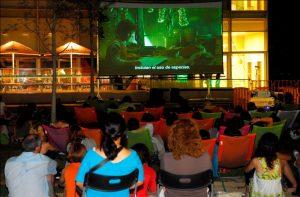 Cinema a la Fresca en l´Illa Diagonal @ Jardins Sant Joan de Déu (L'Illa Diagonal)